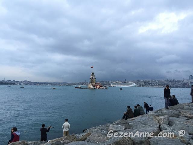 Salacak'tan Kız Kulesi ve İstanbul Boğazı manzarası