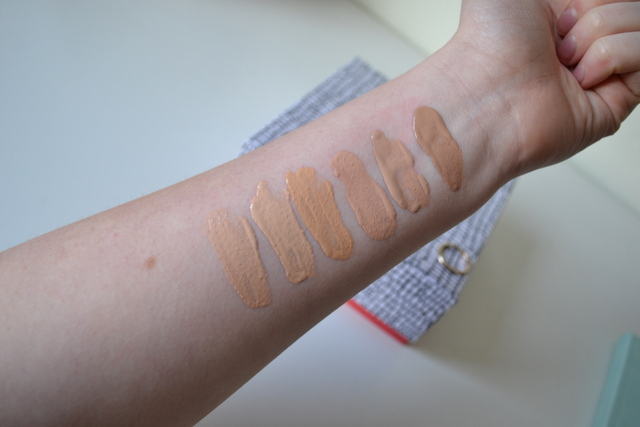 Collection Illuminating Touch Foundation
