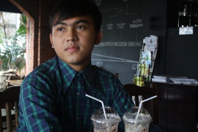 COFFEE TIME AT ANOMALI COFFEE
