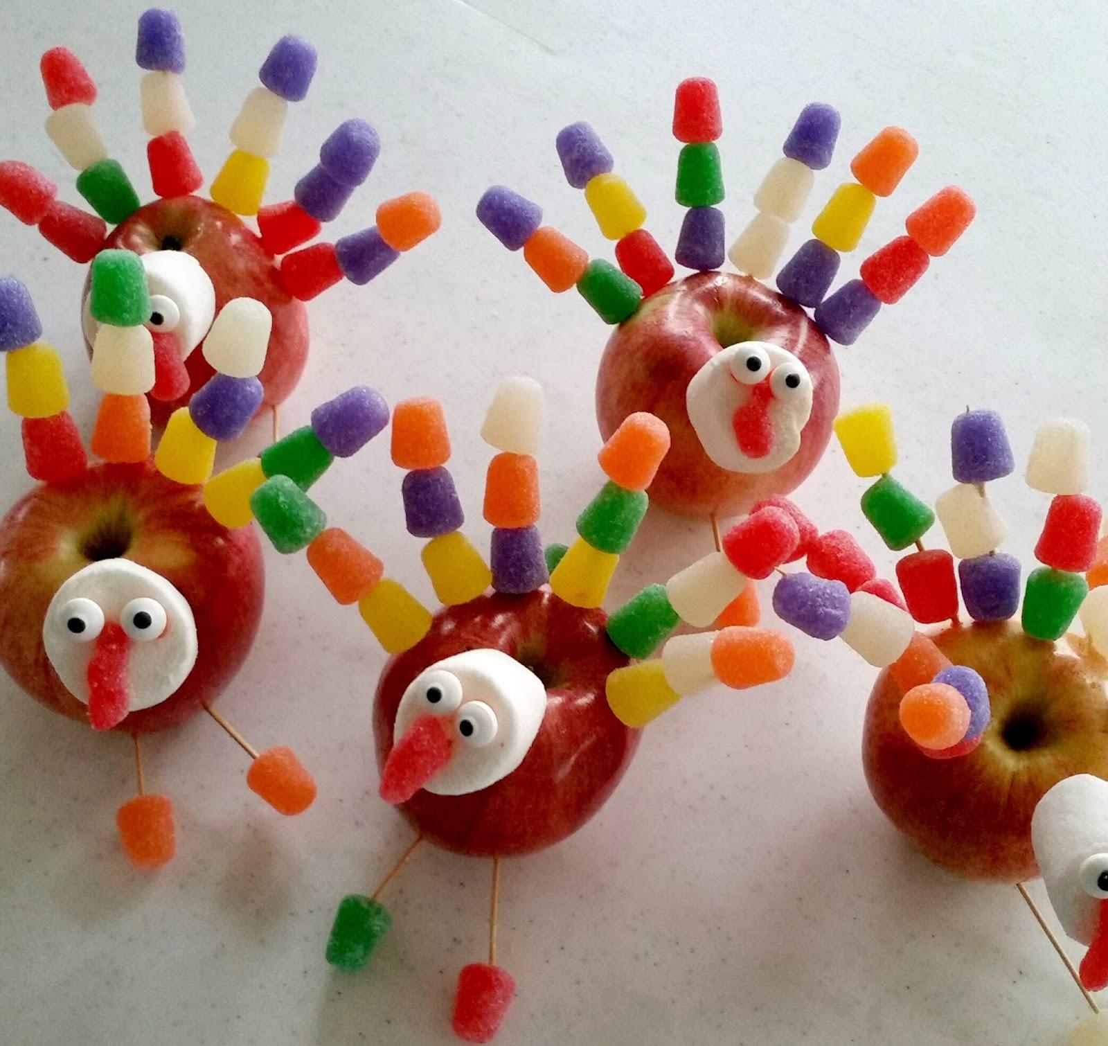19 Edible Turkey Crafts Thanksgiving Crafts: The Better Baker: Edible Apple Turkey Craft