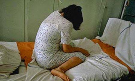 Astaga ! Hanya Demi Lunasi Hutang ,Seorang Suami Beri Izin Istri Untuk Diperk0sa.