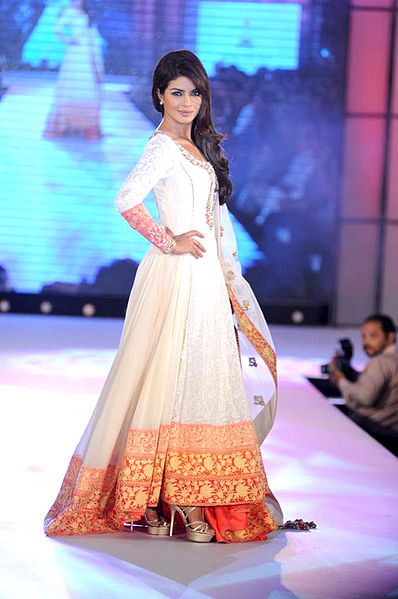 Bollywood Actresses In Anarkali Dress Diva Likes