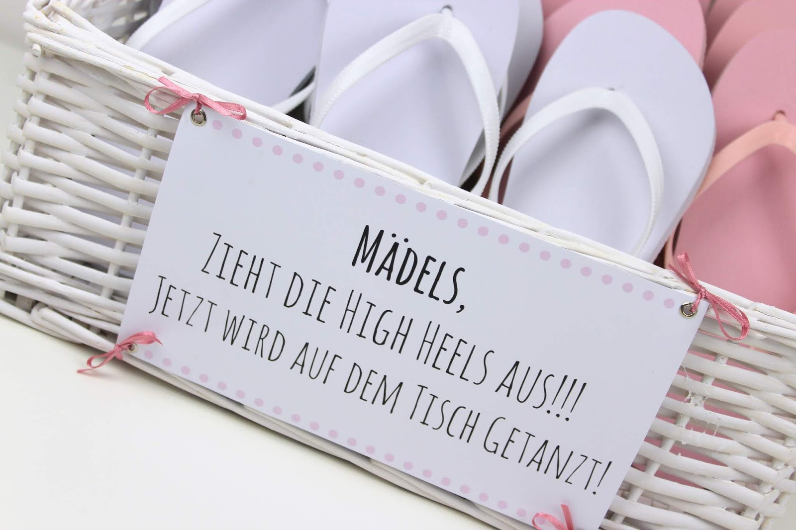DIY Gastgeschenk Flip Flop Korb - Zieht die High Heels aus, es wird getanzt
