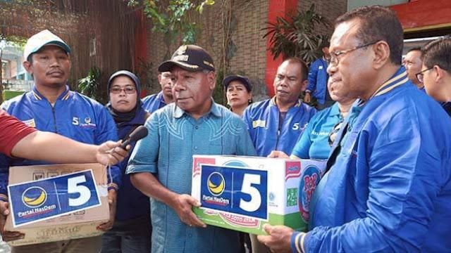 Peduli Korban Banjir, NasDem Papua Serahkan Bantuan ke Bupati Jayapura