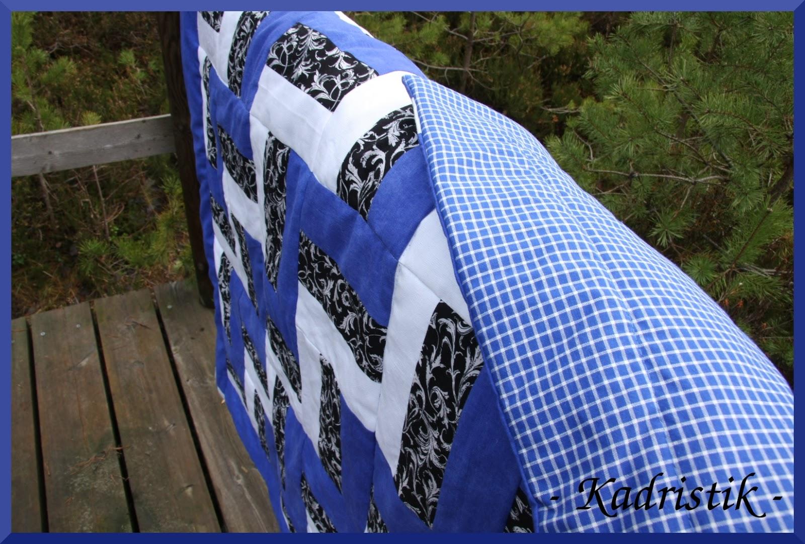 90685245d71 Kangasteks uus lilledega must, sinine on kasutatud küljekardinad ja valge  uus (kuid juba eakas) paksem kangas. Selline taaskasutus-uuskasutusprojekt.