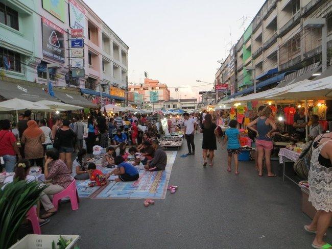 Вечерний рынок на Краби