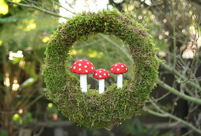 Moss Toadstool Wreath - Please Note