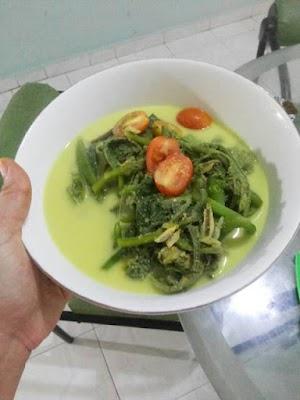 Gulai daun labu (masakan khas jambi)