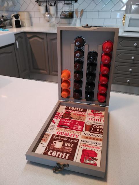 caja capsulas cafe, bordado, punto cruz, boite cafe, broderie, point croix, coffee caps box, embroidery, cross stitch