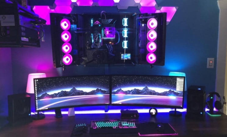 30 Coolest Gaming Stations Ever