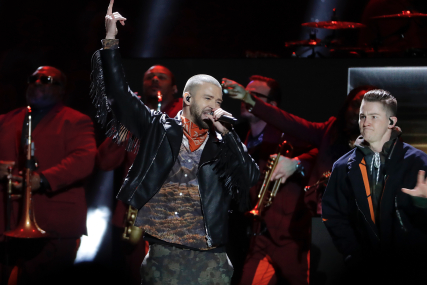 Justin Timberlake's Botched Super Bowl Halftime Show Return Not Princely – Review