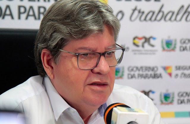 João Azevêdo confirma concurso com mil vagas para a área da Educação; Procuradoria e Aesa também terão vagas