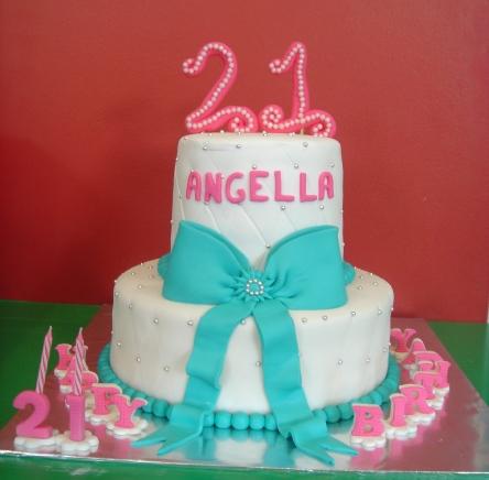 Yochanas Cake Delight Angellas 21st birthday