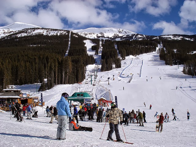 Lake Louise Mountain Resort, Alberta, Canada - The Best 12 Ski Resorts in North America