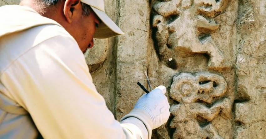 Resaltan el hallazgo de murales en altorrelieve en Chan Chan - La Libertad