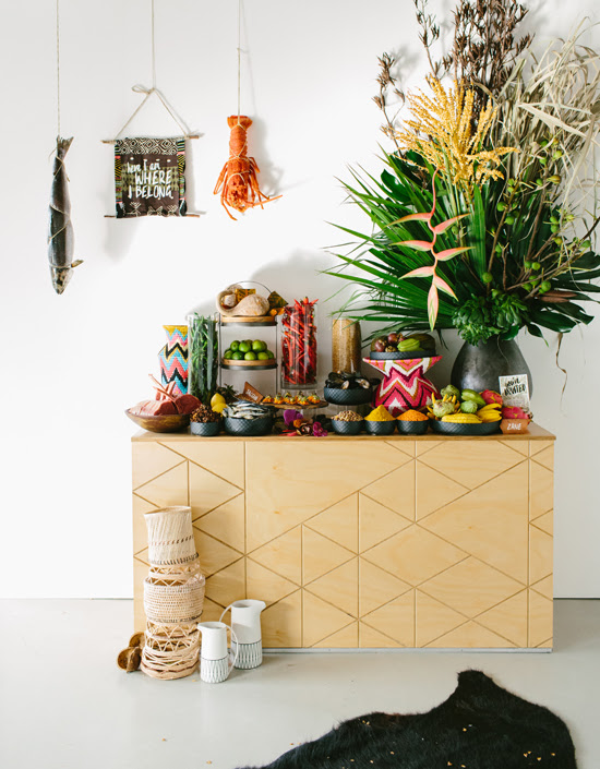 Safari Fusion blog   Flowers, feathers + food   A visual feast with a spectaular floral sculpture by Shane Sipolis of Edward & Tea and Safari Fusion's basketware