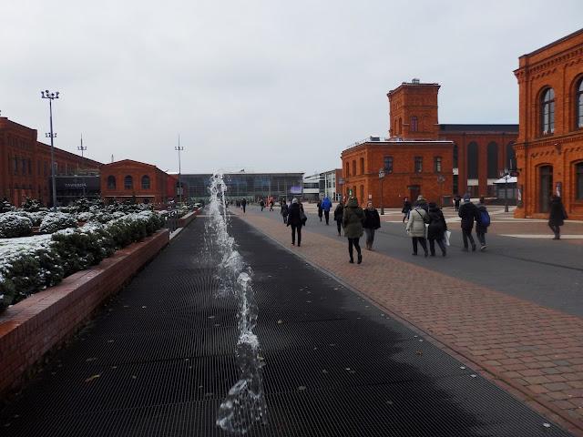 Łódź Bałuty, Manufaktura. Ładne, pofabryczne centrum handlowe.