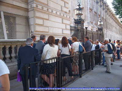 Cola de acceso a Downing Street