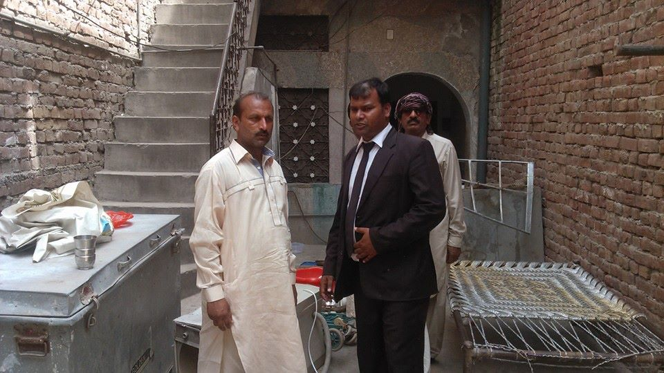 Sardar Mushtaq Gill,human rights defender visited  Dhoop Sari in Lahore's Sandha area of Lahore