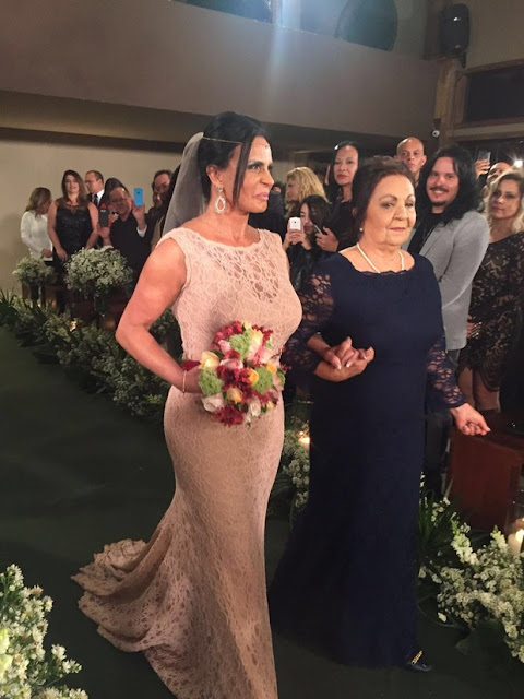 Gretchen vestido de noiva casamento com Carlos