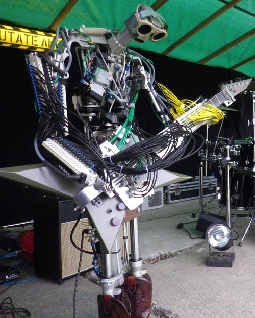 03-Compressorhead-Automatons-Fingers-The-Guitarists