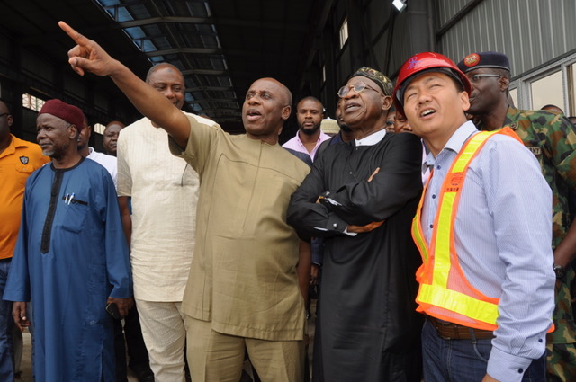 The Ministers of Transportation, Rotimi Amaechi and Information and Culture, Lai Mohammed are on inspection tour of the Lagos-Ibadan standard gauge rail projects. The News Agency of Nigeria reports that the tracks for the 156km modern rail project has been completed. Before departing for Ibadan in a modern train on the rail line, the ministers […]