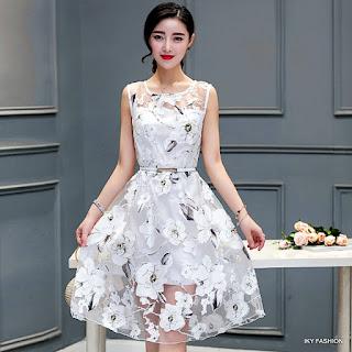 model  Dress Pendek Motif Bunga cewek