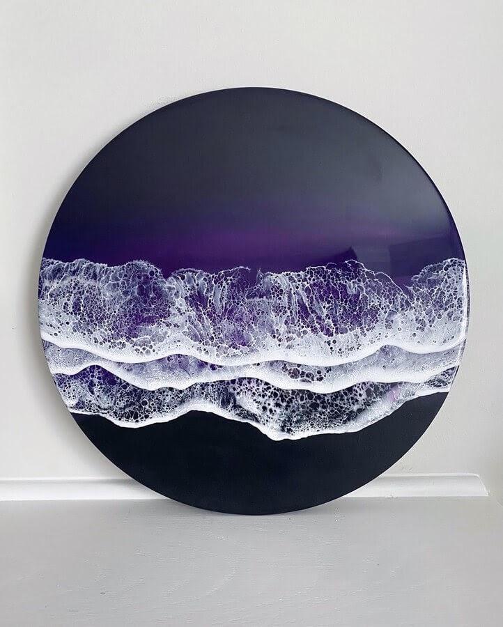 04-Circular-table-top-Rivka-Wilkins-Realistic-Ocean-Resin-Paintings-www-designstack-co