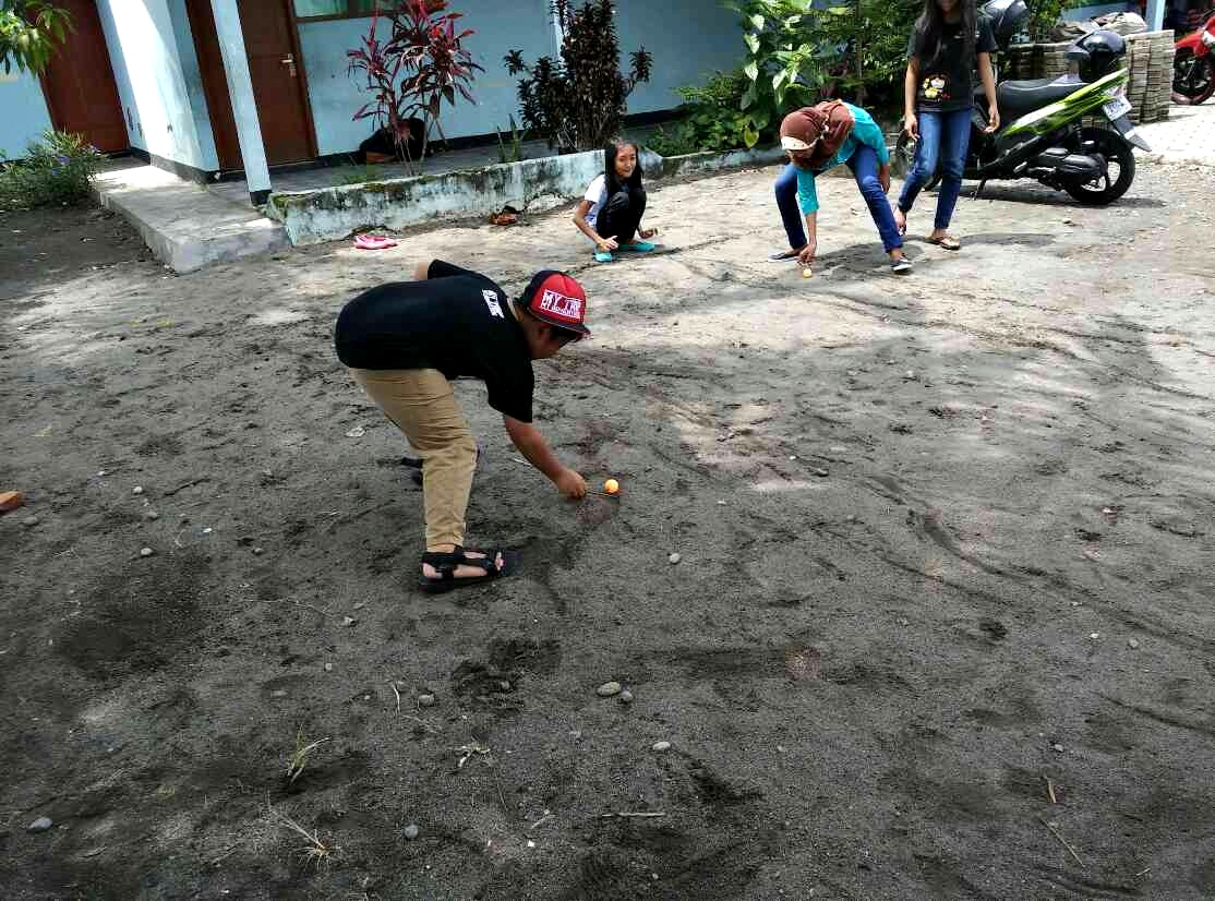 pos bola gelinding fun education outbond