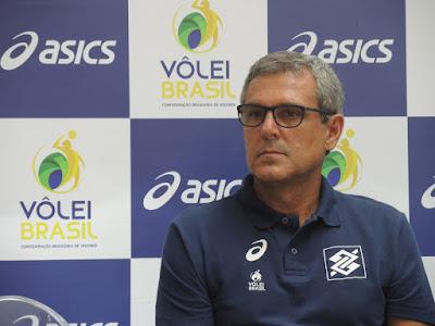 Zé Roberto anuncia convocação para seleção feminina de vôlei