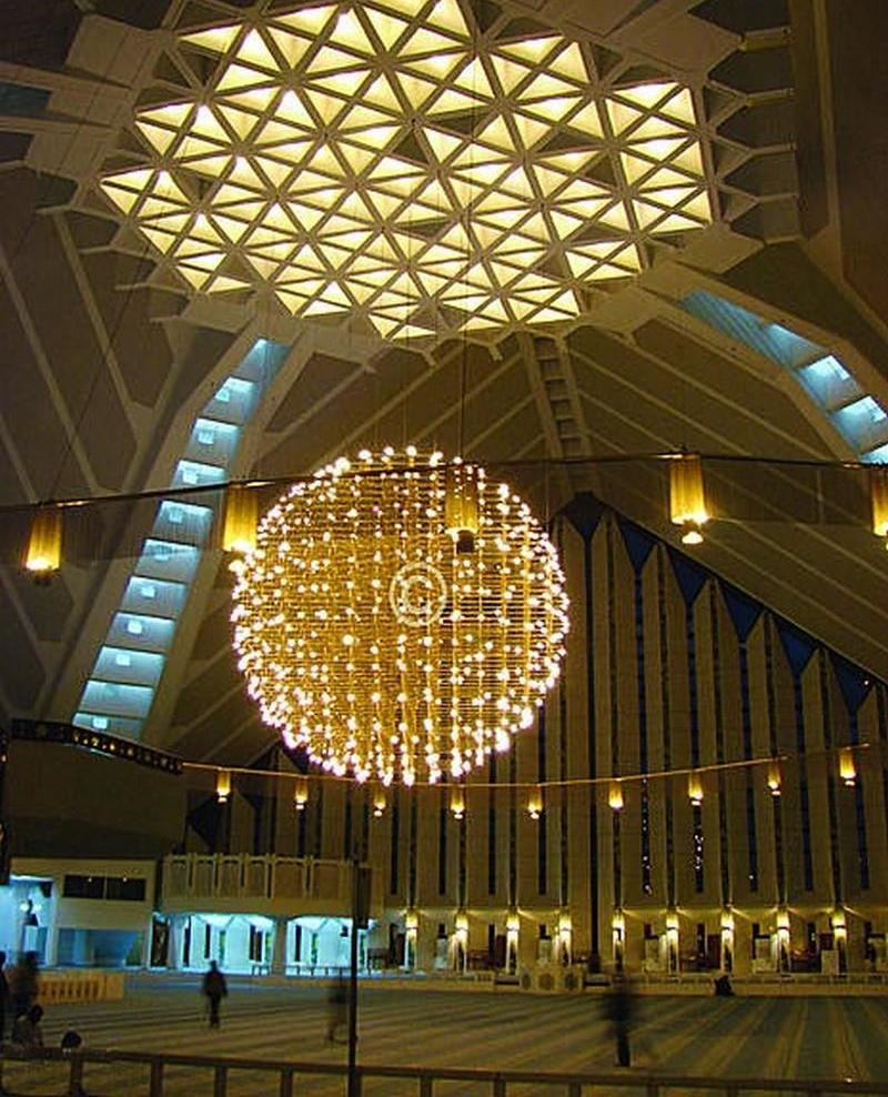 Information: World's Largest Shah Faisal Mosque Islamabad
