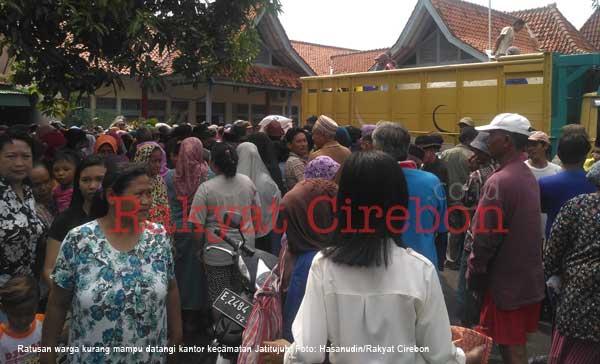 warga jatitujuh majalengka protes sistem penyaluran rastra