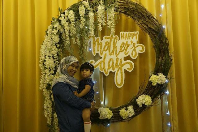 Sambut Hari Ibu di Double Tree Johor Bahru