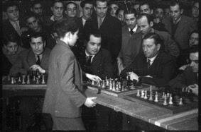 Simultáneas de Arturito Pomar en Lérida el 17 de abril de 1946 (11)
