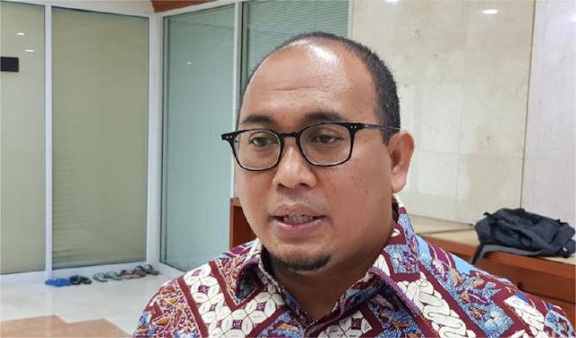 Serang Balik, Gerindra Usul Monumen Anti-Bohong Bentuk Mobil Esemka