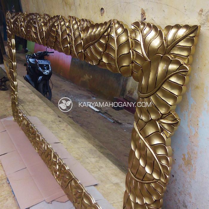 Cermin Dinding Motif Daun