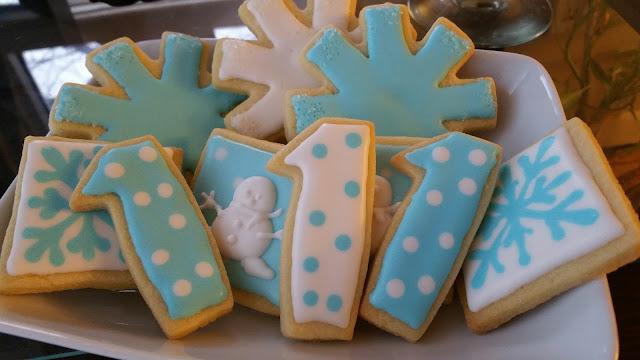 winter onederland wonderland sugar cookies birthday favors jellybeantrail