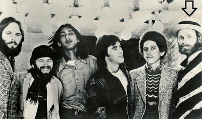 The Flames - Ummm,Ummm, Oh Yeah / Ball Of Flames (1965/1970)