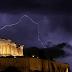 Κεραυνός στην Ακρόπολη- Τραυματίας συγκλονίζει: «Με χτύπησε μία λάμψη, κάηκα...»