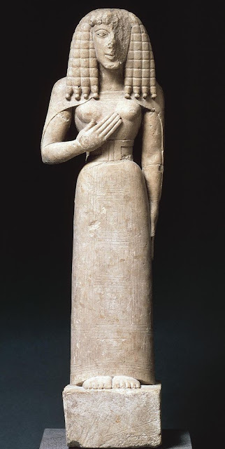 Auxerre Goddess  limestone statuette Louvre Museum, Paris