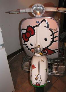 Gambar Motor Vespa Hello Kitty 3