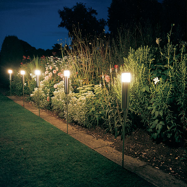 Luminarias Para Jardines Exteriores Los Primeros Modelos En - Luminarias-para-jardin