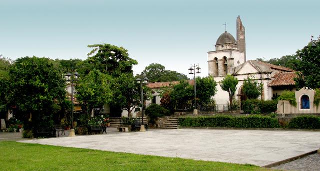 Visita Comala, México