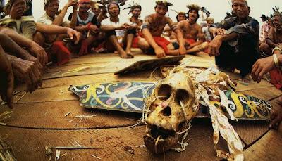 Hasil carian imej untuk sampit berdarah 2001