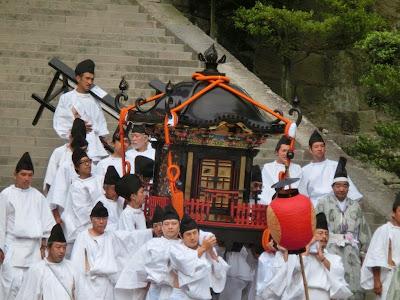 鶴岡八幡宮神輿(比売神)
