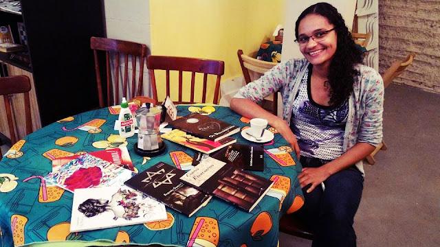 Moka Literária Waffle & Café, cafeteria, Búzios,RJ Literatura, Visita Literária, livros, leituras, leitores