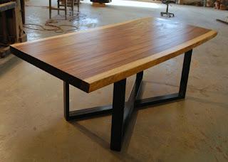 meja makan kayu suar kaki besi