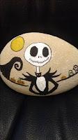 Decoración para Halloween con piedras pintadas jack