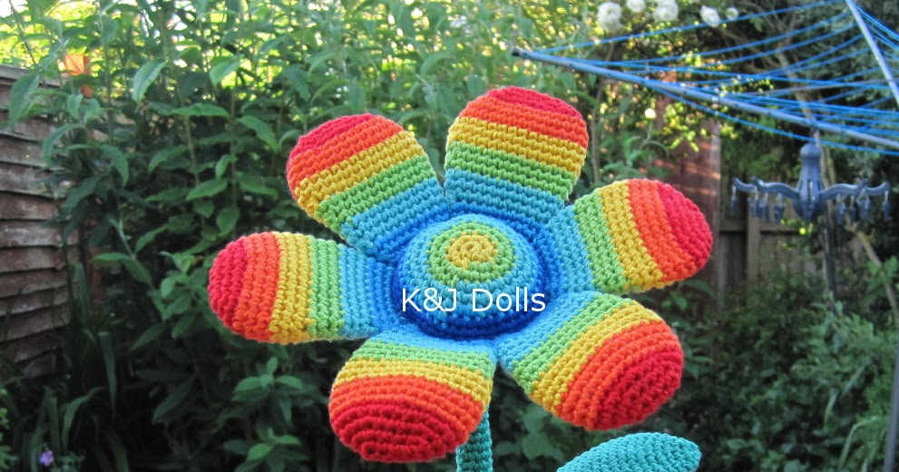 Amigurumi Crochet Flowers : New Crocheted Flower - Sayjai Amigurumi Crochet Patterns ...