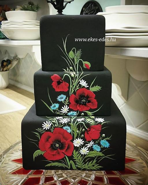 kézzel festett pipacsos fekete torta